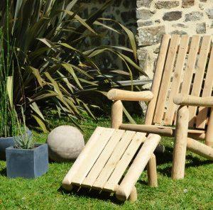 Fåtölj med hög ryggstam vit ceder möbler