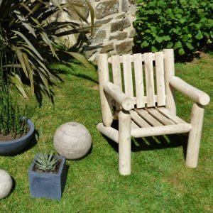 fåtölj med låg rygg vit ceder möbler